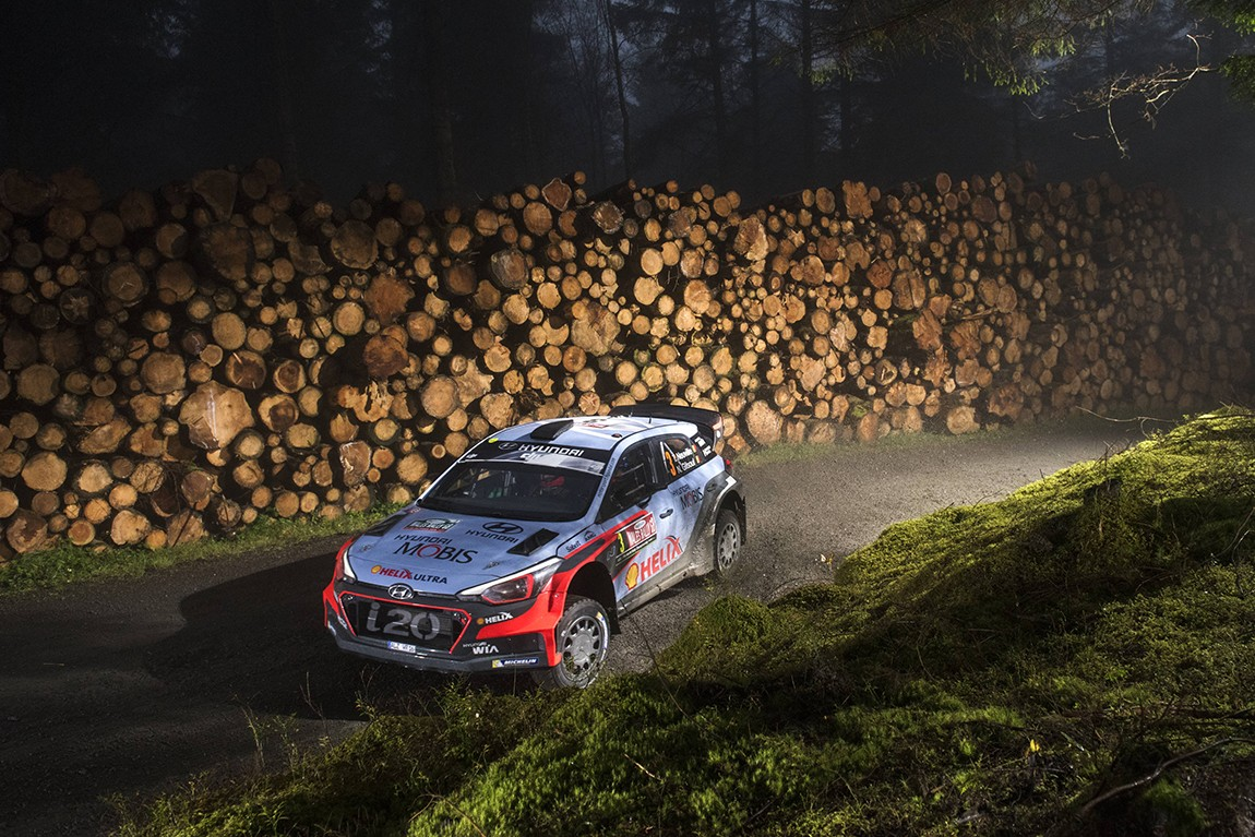 Thierry Neuville (BEL) performs during FIA World Rally Championship in Deeside, Great Britain on 30  October 2016 // Jaanus Ree/Red Bull Content Pool // P-20161029-01059 // Usage for editorial use only // Please go to www.redbullcontentpool.com for further information. //